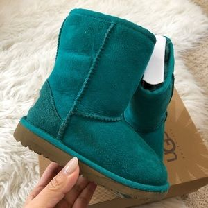💛 GUC💛 UGG emerald tall classic boots ~ 10